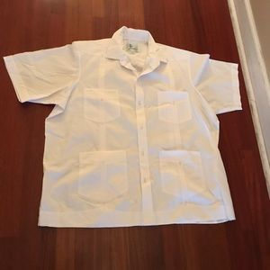 Other - White shirt with short sleeves